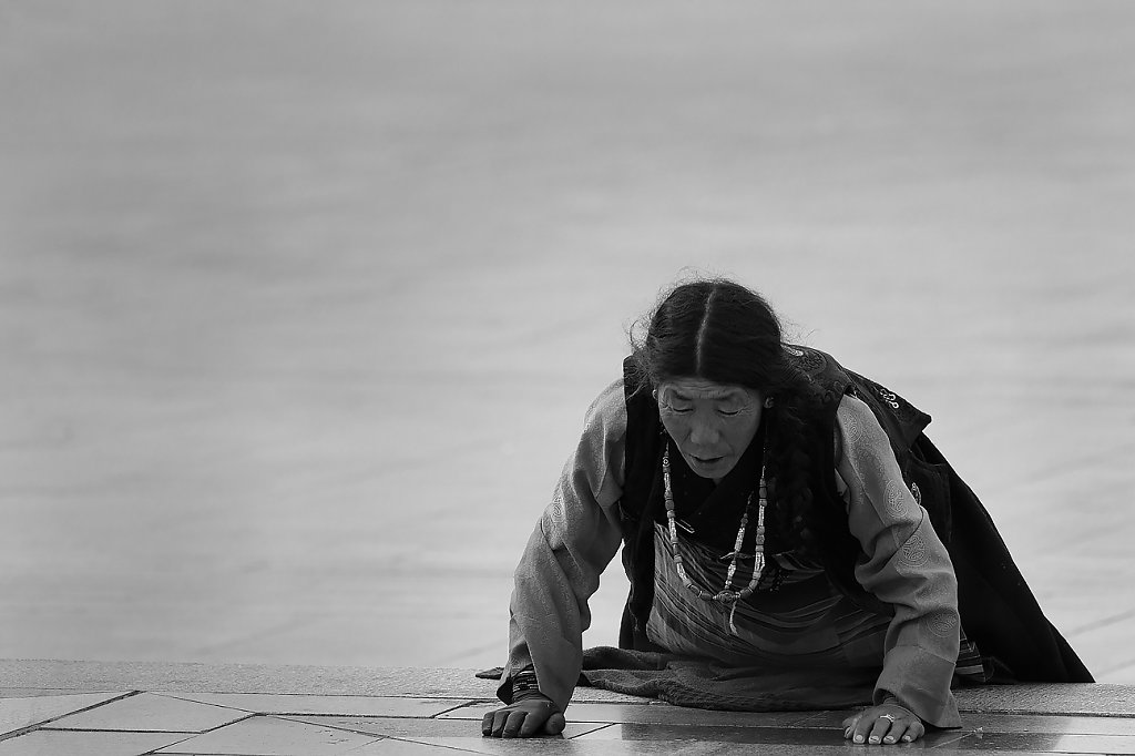 IMG-5716-Tibet-Tashilumpo-20130629-prayerIV.jpg