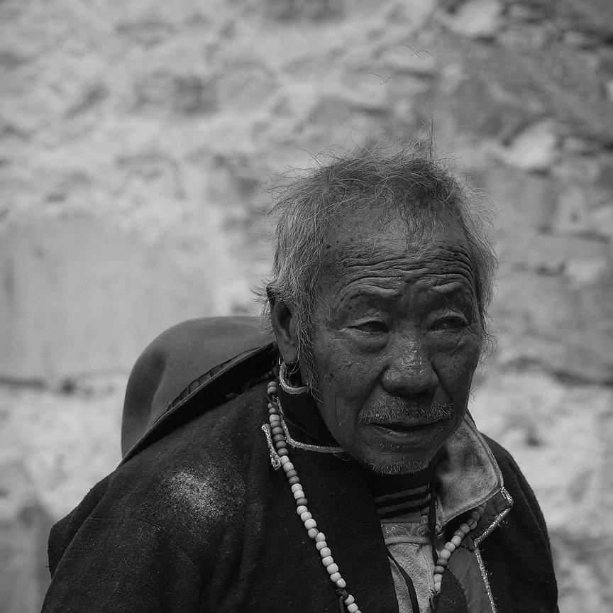 IMG-5846-Tibet-Tashilumpo-20130629-pilgrimIII.jpg