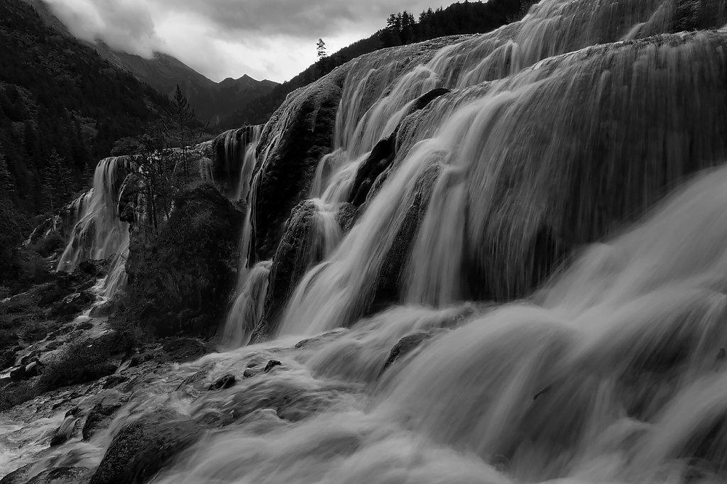 IMG-0229-Sichuan-Jiuzhaiguo-20110912-flowing-waterII.jpg
