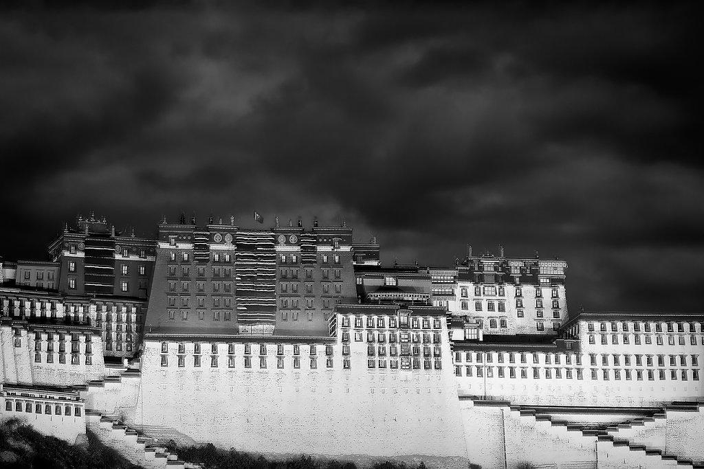 IMG-6137-Tibet-Lhasa-20130629-PotalaV.jpg