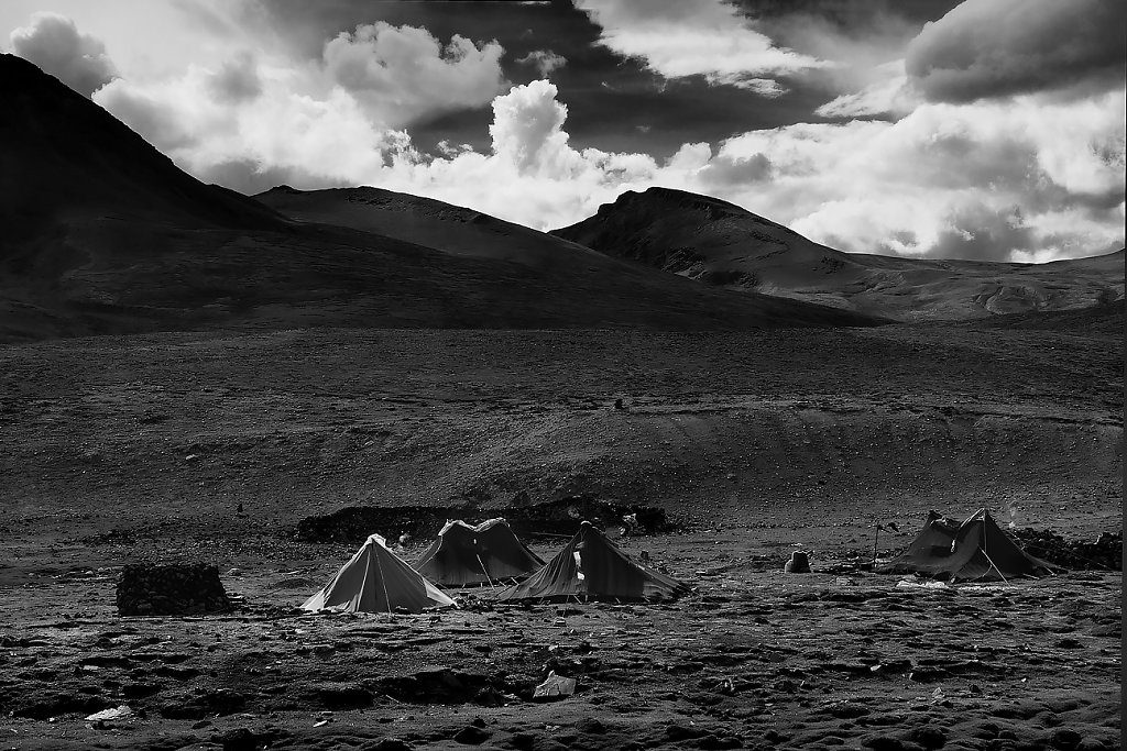 IMG-5691-Tibet-road-20130628-nomad-campI.jpg