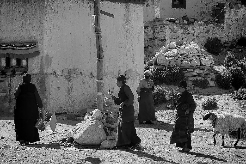 IMG-5639-Tibet-Rongpuk-20130628-prayerII.jpg