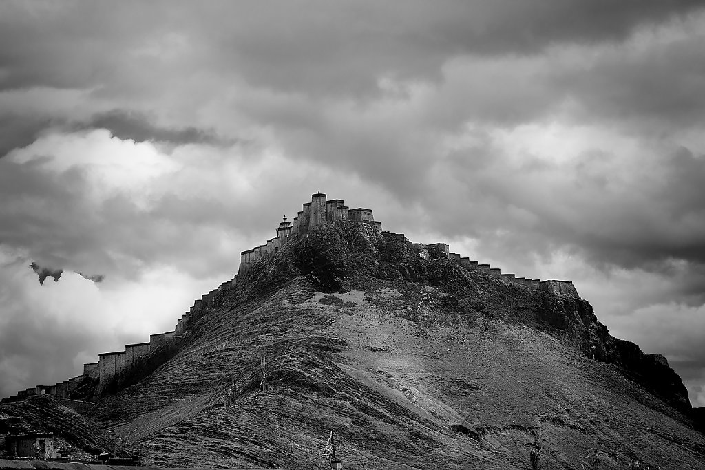 IMG-5352-Tibet-Pelkor-20130626-castelI.jpg