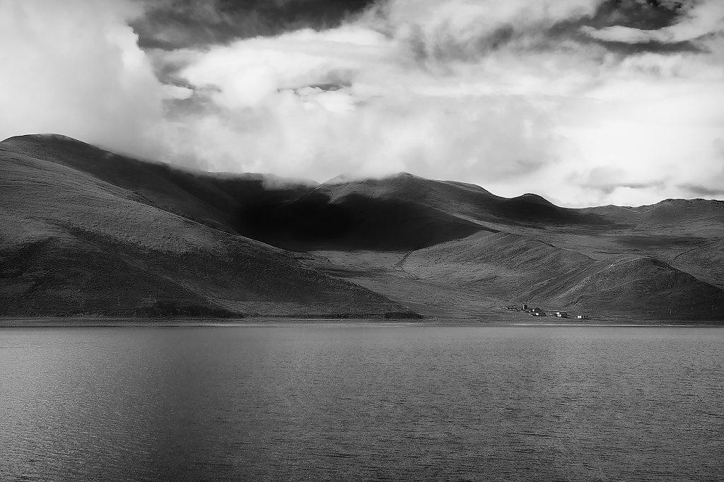 IMG-5291-Tibet-Yumtso-20130626-lakeIV.jpg