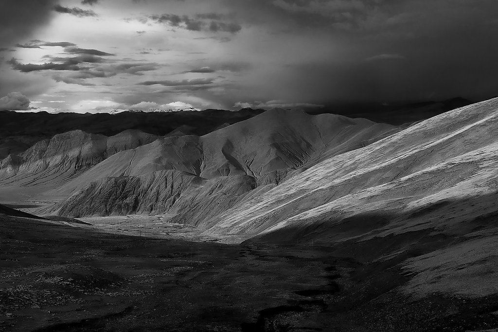 IMG-5540-Tibet-road-20130627-roadIII.jpg